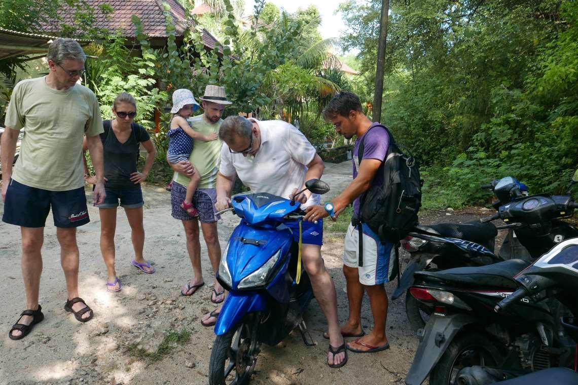 Atostogos Balyje. Balio sala. Transportas Balyje. Balinėtojai.